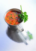 Cup a soup whit tomatoes an vegetables