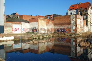 abrisshaus in antwerpen graffity
