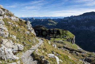 Wanderweg zum Schäfler mit der Alp Chlus
