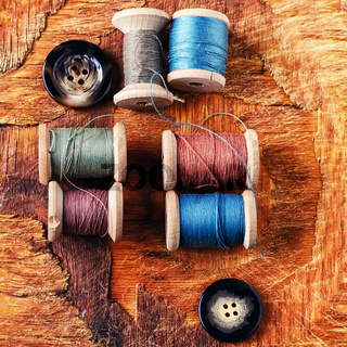 Spools of sewing threads