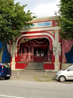 Eingang zum Zelttheater 'Fliegende Bauten' Hamburg