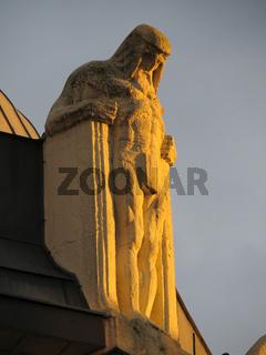 'Commeter-Haus' Dachfigur am Kontorhaus in Hamburg