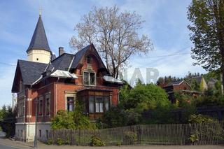 Villa im vogtlaendischen Erlbach, ostdeutschland