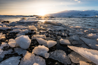 Eisschollen in der Gletscherlagune Joekulsarlon
