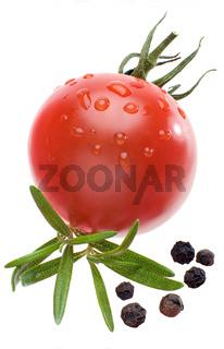 Tomate, Rosmarin und Pfeffer freigestellt
