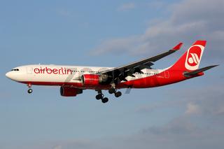 Air Berlin Airbus A330 Flugzeug Flughafen Hamburg