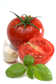 2015_07_tomatos_garlic_basil_isolated02