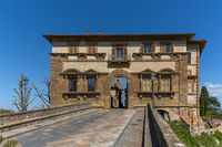Gate to colle de valle de elsa in tuscany