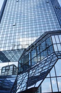Fassade der Deutschen Bank in Frankfurt