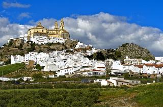 Die Kirche La Encarnación über der weissen Stadt