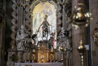 Hauptaltar der Klosterkirche in Weltenburg mit Hl. St. Georg