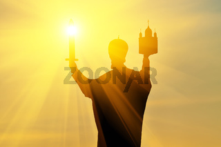 Silhouette des Denkmals für den Heiligen Nikolaus den Wundertäter. Kaliningrad, Russland