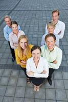 Geschäftsleute als dynamisches Team
