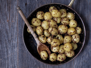 rustic boiled potato in mustard