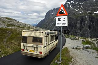 Steile Passage auf der Geiranger - Trollstigen Bergstrasse, Norwegen
