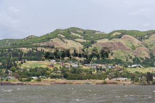 Houses on the banks of Columbia River Gorge Pacific Northwest between Oregon and Washington