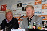 Pressekonferenz in Paderborn am 14.10.2015 des SC Paderborn mit Wilfried Finke und der Vorstellung von Stefan Effenberg als Trainer