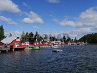 Häuser im Hafen von Skatan, Schweden
