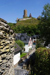 pitoreskes Monreal mit Löwenburg