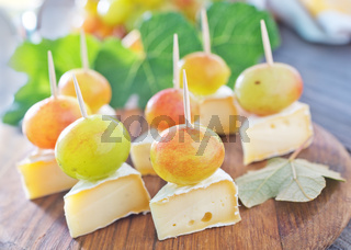 cheese with grape