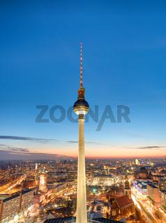 Der berühmte Fernsehturm in Berlin