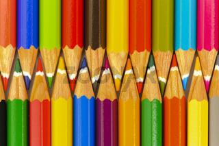 Buntstifte zeigen Teamwork