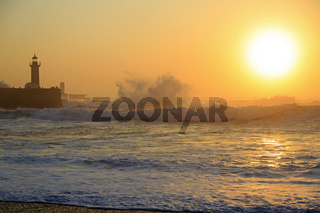 Lighthouse Felgueirasin Porto with waves and sun