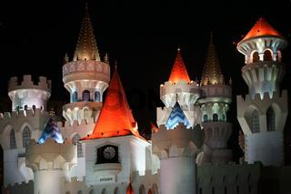 Türme des Excalibur bei Nacht