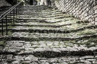 Mittelalterliche Treppe in Frankreich