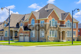 Luxury houses in North America