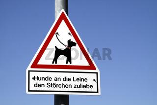 Schild im Storchendorf Elbrinxen