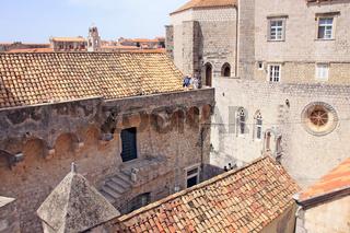 Dubrovnik, unterwegs auf der Stadtmauer