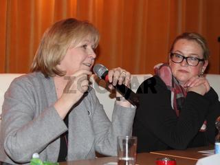 Hannelore Kraft  (SPD) Ministerpräsidentin des Landes Nordrhein-Westfalen und Katrin Budde (SPD-Vorsitzende von Sachsen-Anhalt) bei einem politischen SPD-Talk in Magdeburg