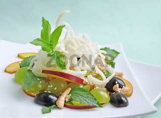 summer salad with grapes and nectarines