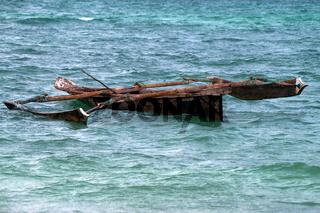 Tropical trimaran boat