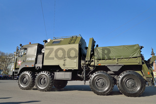 Repair and recovery vehicle REM-KL  on the Palace square during