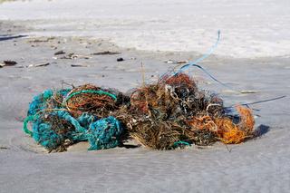 Strandgut: Kunststoff-Abfall
