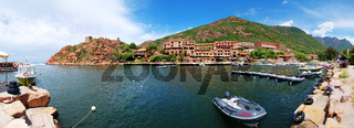 Der Hafen von Porto - Korsika