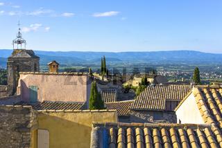 Blick vom Schloss Château du Barroux über die Dächer des Dorfes Le Barroux, Provence, Frankreich