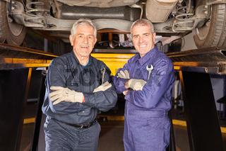 KFZ Mechaniker mit Kompetenz und Erfahrung