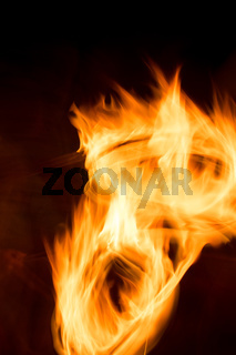 Feuer und Flamme - Langzeitbelichtung mit Bewegungsunschärfe und Lichtstreifen