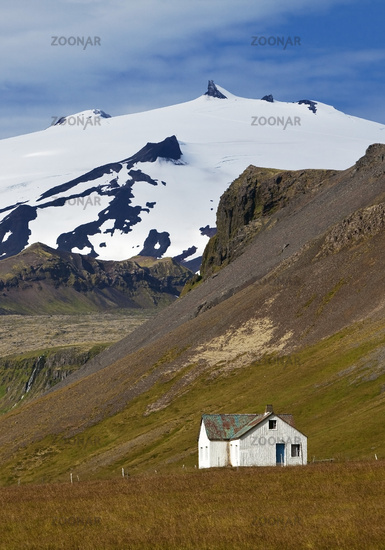 landscape with house and Snæfellsjoekull mountain and glacier, Snæfellsnes, Iceland, Europe