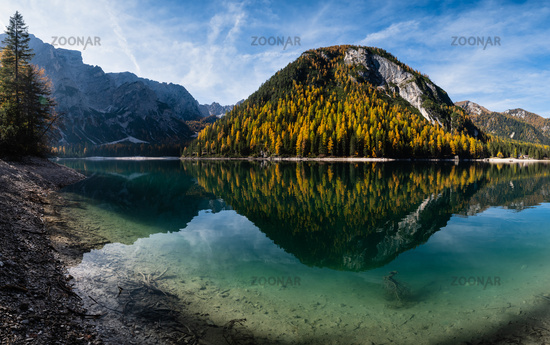 Autumn peaceful alpine lake Braies or Pragser Wildsee. Fanes-Sennes-Prags national park, South Tyrol, Dolomites Alps, Italy, Europe.