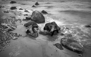 Steine am Nordstrand von Ruegen
