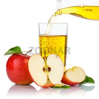 Apfelsaft einschenken eingießen eingiessen Apfel Saft Äpfel Fruchtsaft Quadrat freigestellt Freisteller