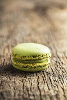 Sweet pistachio macarons