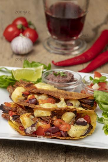 gebackene Tacos mit Wein