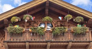 Balkon an typisch oberbayrischem Holzhaus