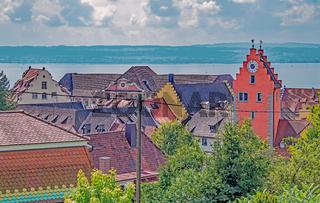Blick auf Meersburg, den Obertorturm und den Bodensee