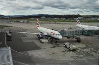 Zuerich, Schweiz, Passagierflugzeuge auf dem Flughafen Zuerich-Kloten